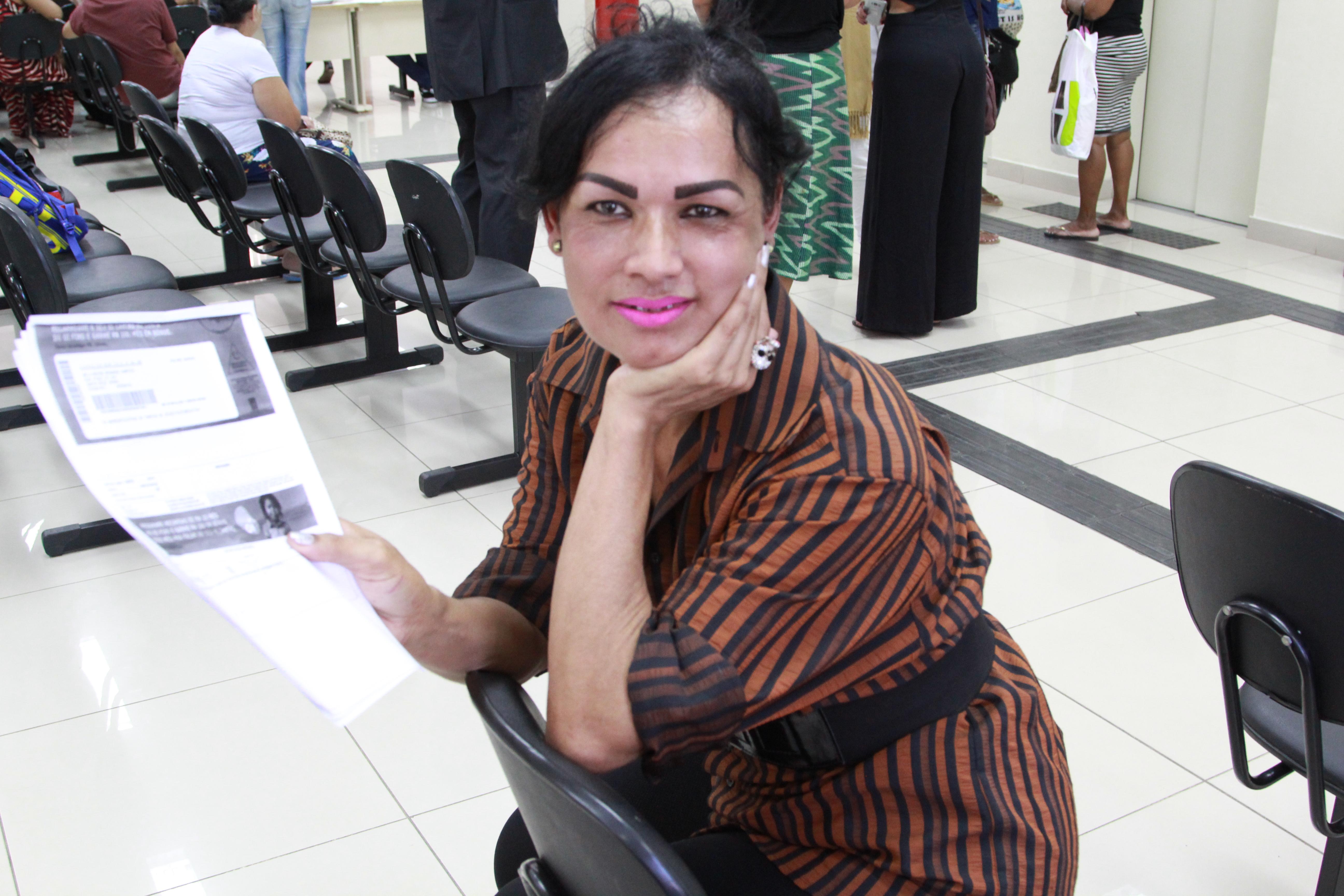 Mara levou seus documentos para dar entrada no ofício de gratuidade